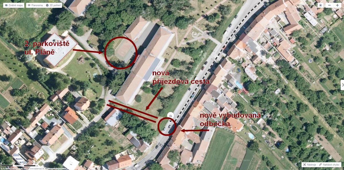 parkovaci_plocha_plane.jpg